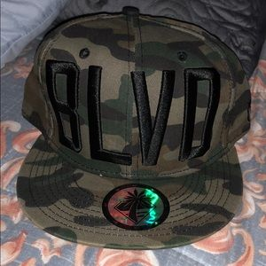 Men's BLVD hat snap back